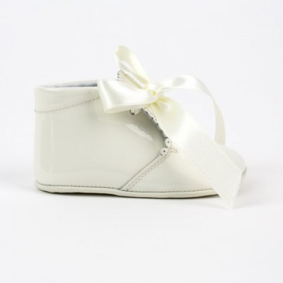 6175 Ivory Patent Ribbon Lace up Pram Boot with Scallop Tongue