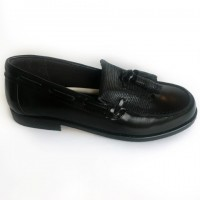 4970-P Nens Black Leather Loafer with kilt tongue and tassels