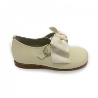4923 Ivory Patent Bow Mary Jane