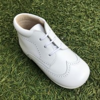 TI132 White Leather Lace up Brogue Boot