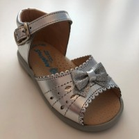 924 Silver Leather Open Toe Sandal with bow
