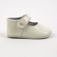 2240 Ivory Patent Mary Jane Pram Shoe